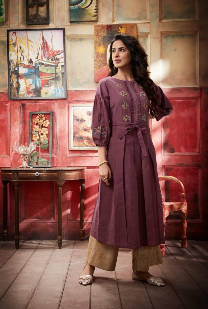- IMG 20190402 WA0318 690x1024 - Vink by vista lifestyle pheonix gown style long kurti catalogue wholesaler surat