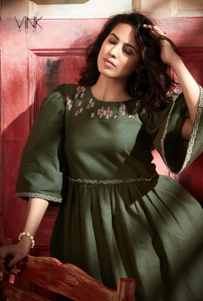 - IMG 20190402 WA0326 690x1024 - Vink by vista lifestyle pheonix gown style long kurti catalogue wholesaler surat